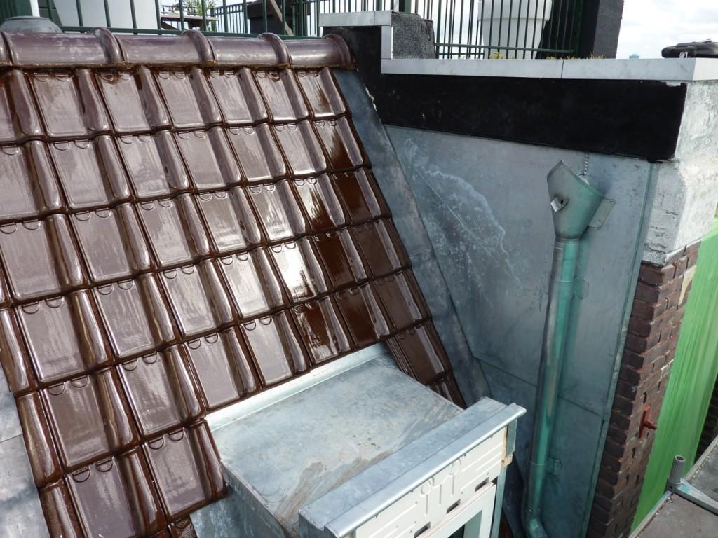 Geglazuurde keramische dakpannen